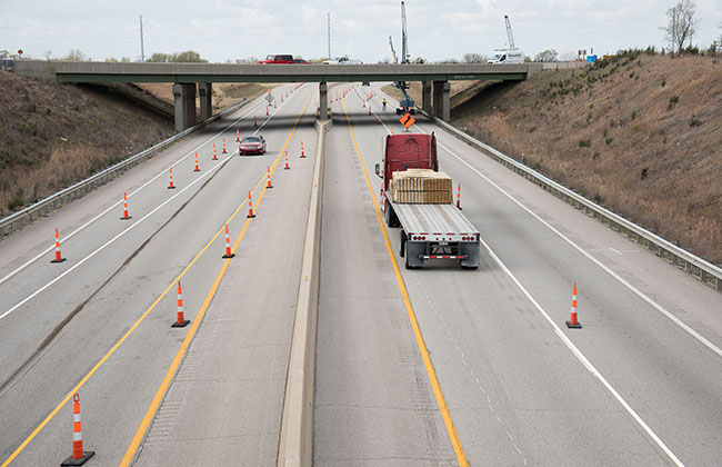 Construction Traffic Control : Highway construction contractors traffic control