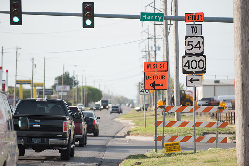 Construction Traffic Control : Traffic control systems wichita ks arrow boards